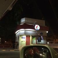 Photo taken at محطة بانزين الضاحية by Hanan _. on 11/30/2015