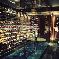 Photo prise au Hotel President Wilson, a Luxury Collection Hotel, Geneva par Aurélie J. le3/18/2013