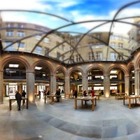 Photo taken at Apple Covent Garden by Masumi M. on 12/5/2012