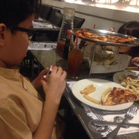 Photo taken at Joey Pepperoni Pizzeria by Roselle on 11/25/2015