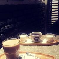 9/26/2018に💐🌹Çğdm🌹💐がFederal Coffeeで撮った写真