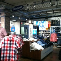 Photo taken at Old Navy by Damian C. on 7/6/2013