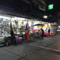 Photo taken at Wat Chai Chimplee Market by Nok😍 K. on 4/3/2017