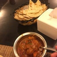 Foto tirada no(a) Sitara Indian Cuisine Restaurant por Palestine H. em 9/17/2016