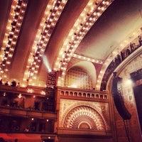 Снимок сделан в Auditorium Theatre пользователем Angela H. 10/1/2013