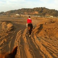 Photo taken at Fiesta Ritoque Beach by Juan eduardo V. on 2/6/2013