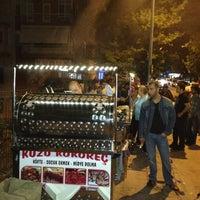 Photo taken at Farabi Köfte & Kokoreç & Midye by 💜NN💜 on 6/7/2013