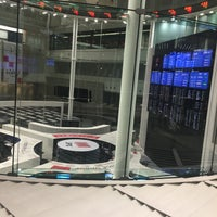 Photo taken at Tokyo Stock Exchange by みるく on 1/24/2018