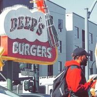 Photo taken at Beep's Burgers by Markeda C. on 4/23/2017