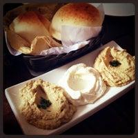 Foto tirada no(a) Saj Restaurante por Stephanie L. em 12/8/2012