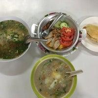 Photo taken at ร้านพรเทพ อาหารเช้ายอดนิยม by noo Naung on 12/4/2016