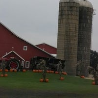 Photo taken at Edwards Apple Orchard West by Justin B. on 10/5/2013