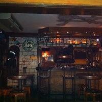 9/23/2012 tarihinde Ahmet K.ziyaretçi tarafından Körfez Bar'de çekilen fotoğraf