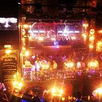 Foto tomada en Discoteca Mae West por Juan José H. el 3/10/2013