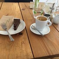Снимок сделан в Schöndorf Bio Cafe пользователем Patrícia Č. 3/9/2016