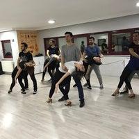 7/27/2017 tarihinde Erkin K.ziyaretçi tarafından Danzonn Dans Akademisi'de çekilen fotoğraf