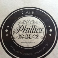 4/4/2013 tarihinde Imran S.ziyaretçi tarafından Café Phillies'de çekilen fotoğraf