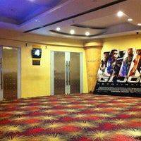Photo taken at Eastwood Cinemas by kthln D. on 10/18/2012