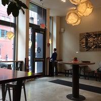 Foto scattata a Barrington Coffee Roasting Company da Steve D. il 4/10/2015