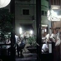 10/9/2012 tarihinde Maria P.ziyaretçi tarafından Bar Lobo'de çekilen fotoğraf
