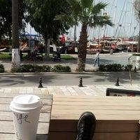 5/29/2013 tarihinde Uğur K.ziyaretçi tarafından Starbucks'de çekilen fotoğraf