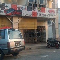Photo taken at HUB FATT AQUARIUM (Taman Guru) by Syariena A. on 8/16/2013