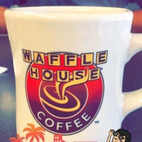 Photo taken at Waffle House by Kristian C. on 1/15/2017