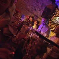 7/9/2016 tarihinde Burçin B.ziyaretçi tarafından Gekko Coctail & Whisky'de çekilen fotoğraf