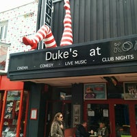 Photo prise au Duke's At Komedia par Ozgur T. le4/7/2015