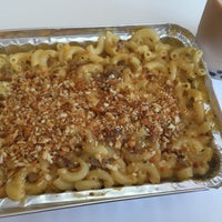 Photo taken at Mac Attack Gourmet Cheesery by Daniela C. on 9/6/2015