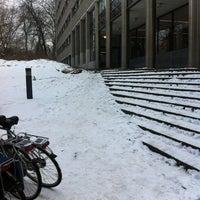 Das Foto wurde bei EBIB - Bibliotheek Faculteit Economie en Bedrijfswetenschappen von Giovanny S. am 1/25/2013 aufgenommen