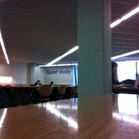 Das Foto wurde bei EBIB - Bibliotheek Faculteit Economie en Bedrijfswetenschappen von Giovanny S. am 2/26/2013 aufgenommen