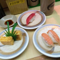 Photo taken at 天下寿司 高田馬場店 by kotoshimo on 4/9/2015