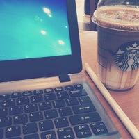 Photo taken at Starbucks by Bhayu_na S. on 8/6/2016