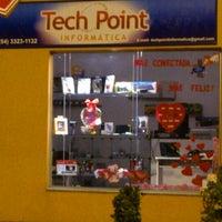 Photo taken at Tech Point Informática by Tiago T. on 8/3/2013
