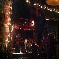 Das Foto wurde bei Fourth Avenue Pub von Kristi E. am 10/16/2012 aufgenommen