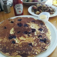 Photo taken at Cafe on Park by Katie V. on 11/18/2012