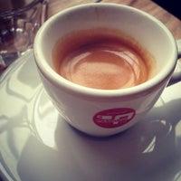 Foto tirada no(a) Café Leonar por plastikstuhl em 4/9/2013
