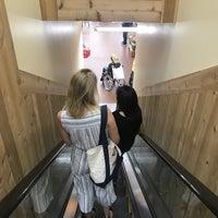 Foto tomada en Trader Joe's por Gareth N. el 9/17/2018