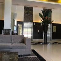 Photo taken at Adina Apartment Hotel by Gareth N. on 4/22/2017