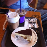 Photo taken at The Coffee Bean & Tea Leaf by Sobin S. on 5/24/2013