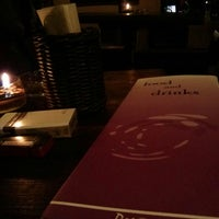 Foto tomada en Dago 254 Bar & Restaurant (Cloud 9) por Iwan W. el 11/7/2013