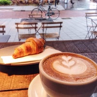 Foto tomada en Coffee Company por Anastasia A. el 6/30/2016