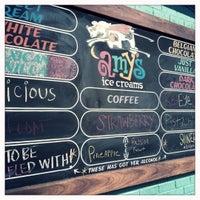 10/4/2012 tarihinde Renee A.ziyaretçi tarafından Amy's Ice Creams'de çekilen fotoğraf
