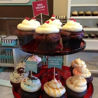 Photo taken at Trophy Cupcakes by Jee Eun P. on 6/15/2013