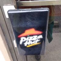 Photo taken at Pizza Hut by Jennifer B. on 5/9/2016