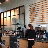 Foto tirada no(a) Mañana Coffee & Juice por Roger E. em 3/31/2018