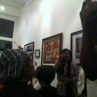 Photo taken at Vivant Art Collection by Jasmin A. on 11/17/2012