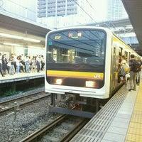 Photo taken at JR武蔵小杉駅 1番線ホーム by すーさん on 7/27/2016