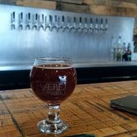Foto tirada no(a) Baere Brewing Co. por Steve W. em 9/29/2015
